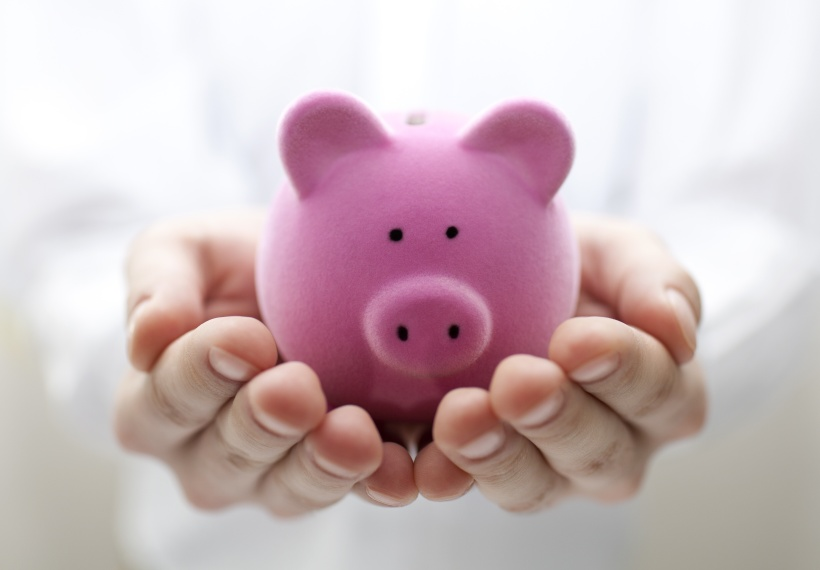 Sumber : http://l.yimg.com/os/650/2013/01/10/piggy-bank-saving-money-pension-jpg_085753.jpg